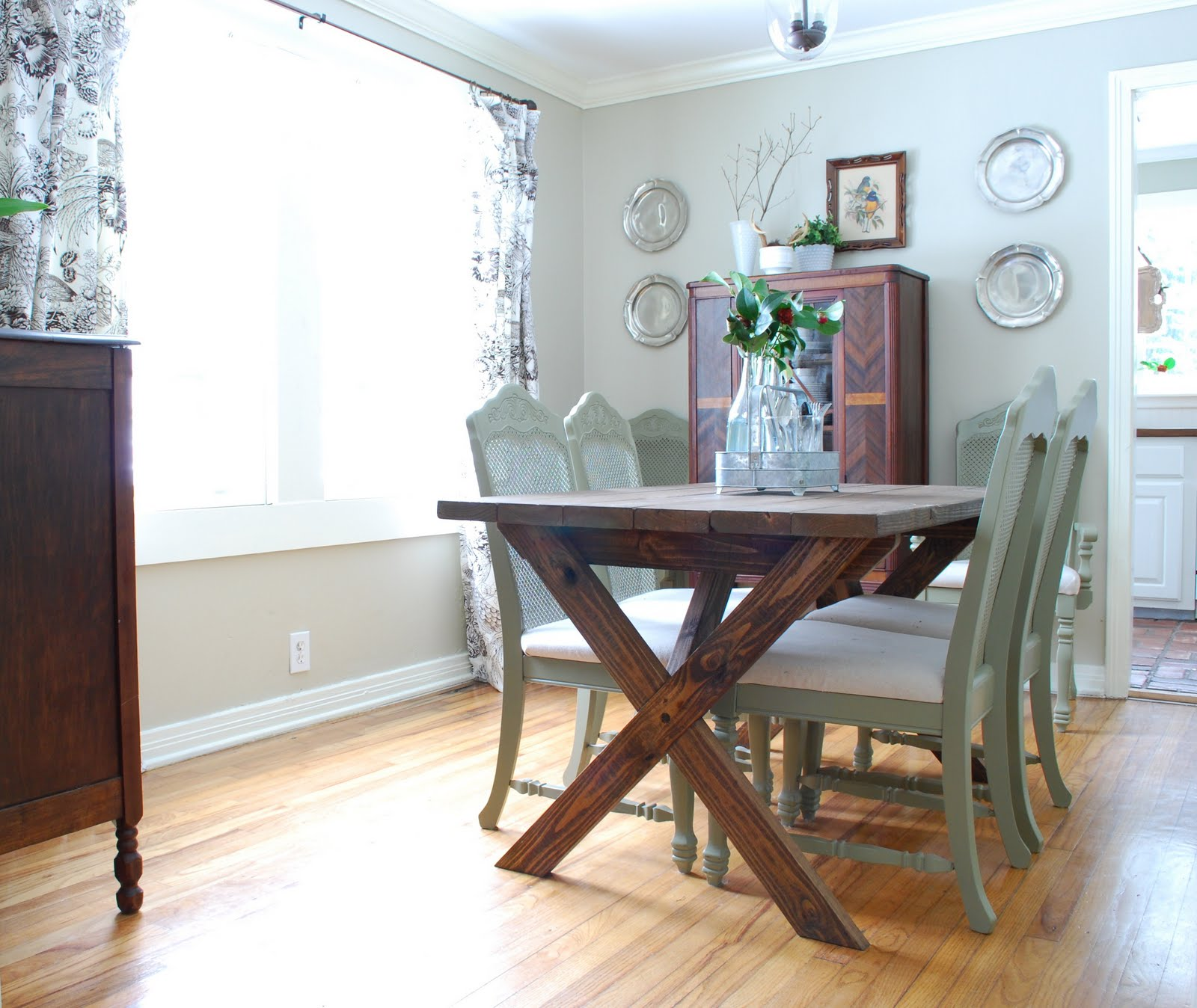 Ana White Dining Room Table: Vanessa's X Picnic Table - DIY Projects