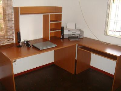 tout doit disparaitre bureau. Black Bedroom Furniture Sets. Home Design Ideas
