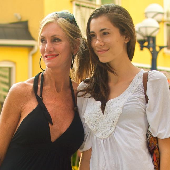 Hot mom seduces hot daughter