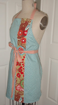 homemade aprons, upcycled anthropologie tablecloth