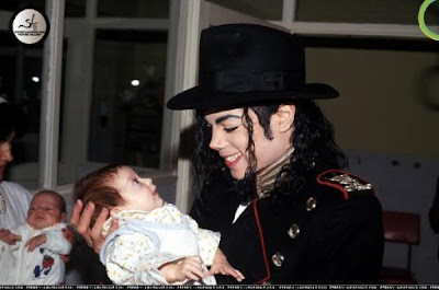 MICHAELFOREVER  septiembre 2010 ff3260551be