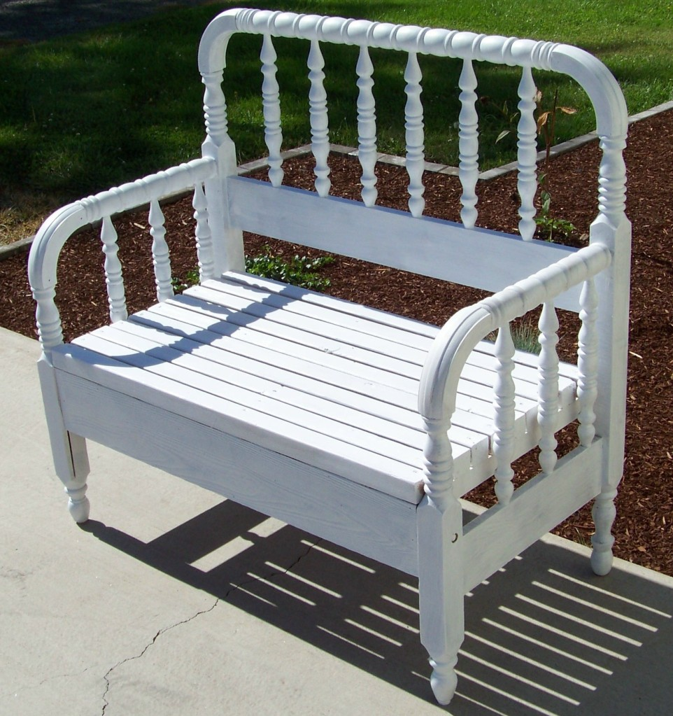 Antique Headboard Bench: RUSTIQUES: Vintage Headboard/Footboard Bench
