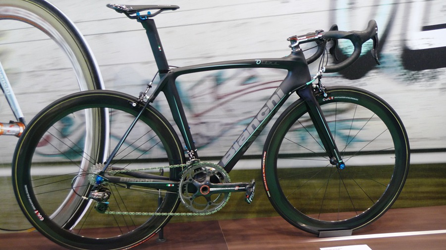 0155c607f07 This matte black Bianchi