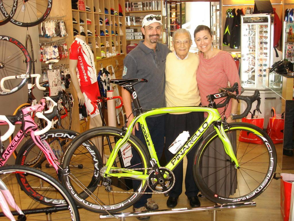 02bcf08e432 ITALIAN CYCLING JOURNAL: Pinarello Shop & VIP Factory Tour
