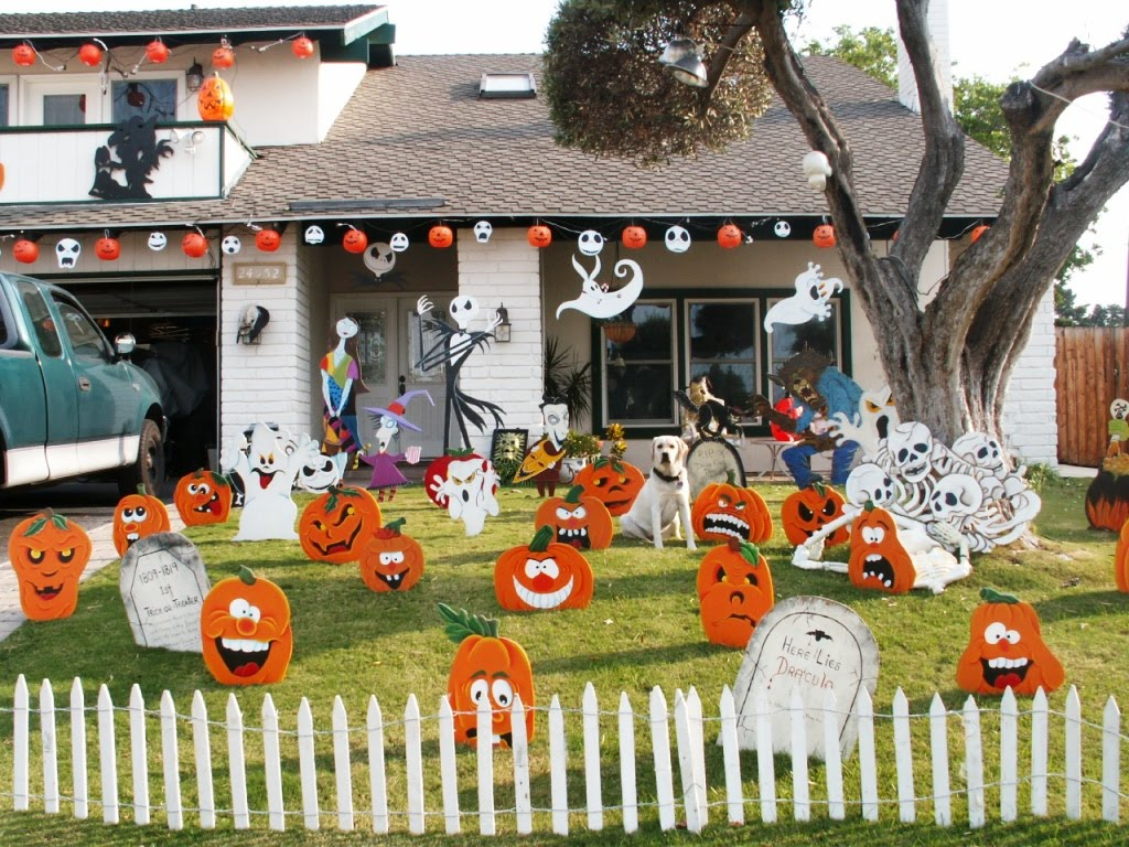 Creative juice what were they thinking thursday for Decoration exterieur halloween