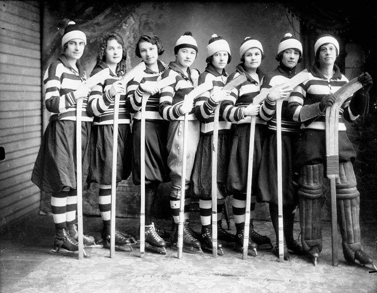 [1921women.jpg]