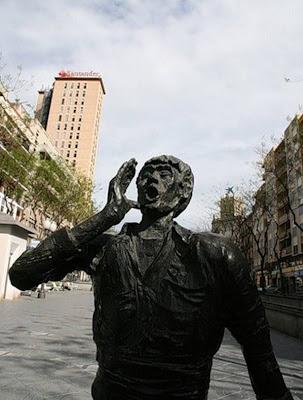 Unusual-urban-sculpture-18.jpg