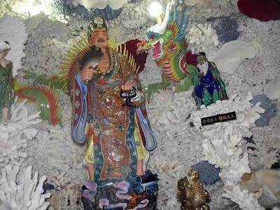 Seashell temple in Taiwan Seen On www.coolpicturegallery.net