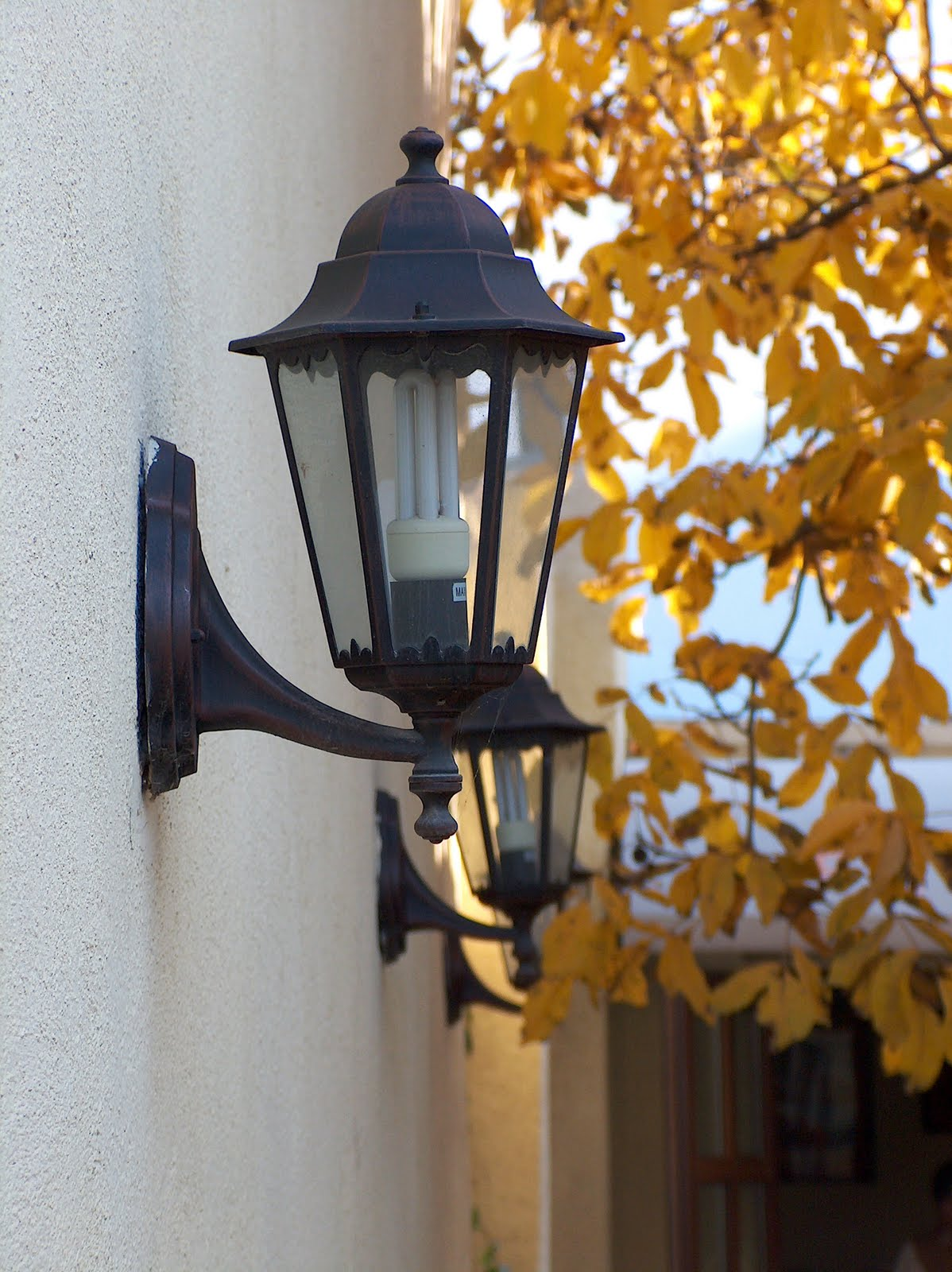 Old-fashioned Lighting at Home: Antique Outdoor Lighting ...