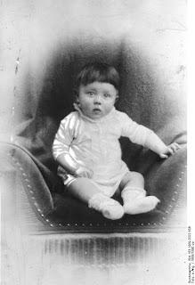 Esta el la foto polemica de Hitler