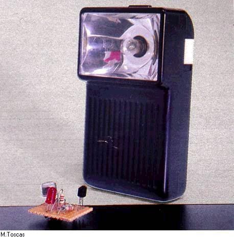 Micro Coupure Electrique : schema d 39 une lampe de secour detecteur de metaux micro schema electronique schema electrique ~ Maxctalentgroup.com Avis de Voitures