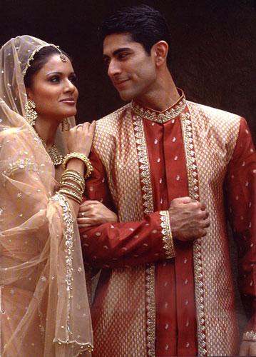 Fashion India: Traditional Indian Clothing