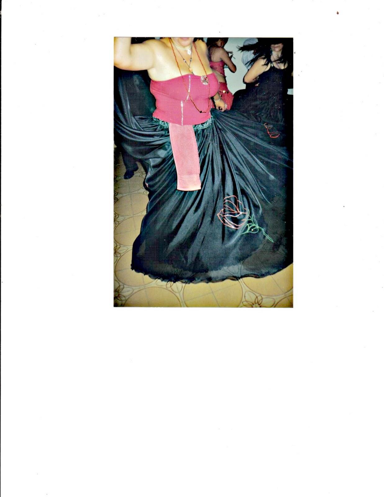 85a0800a0 Falda Plato Roja Larga | Wig Elegance