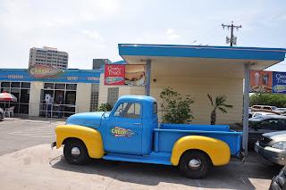 San Antonio Burger Blog: Review #29 - Cheesy Jane's