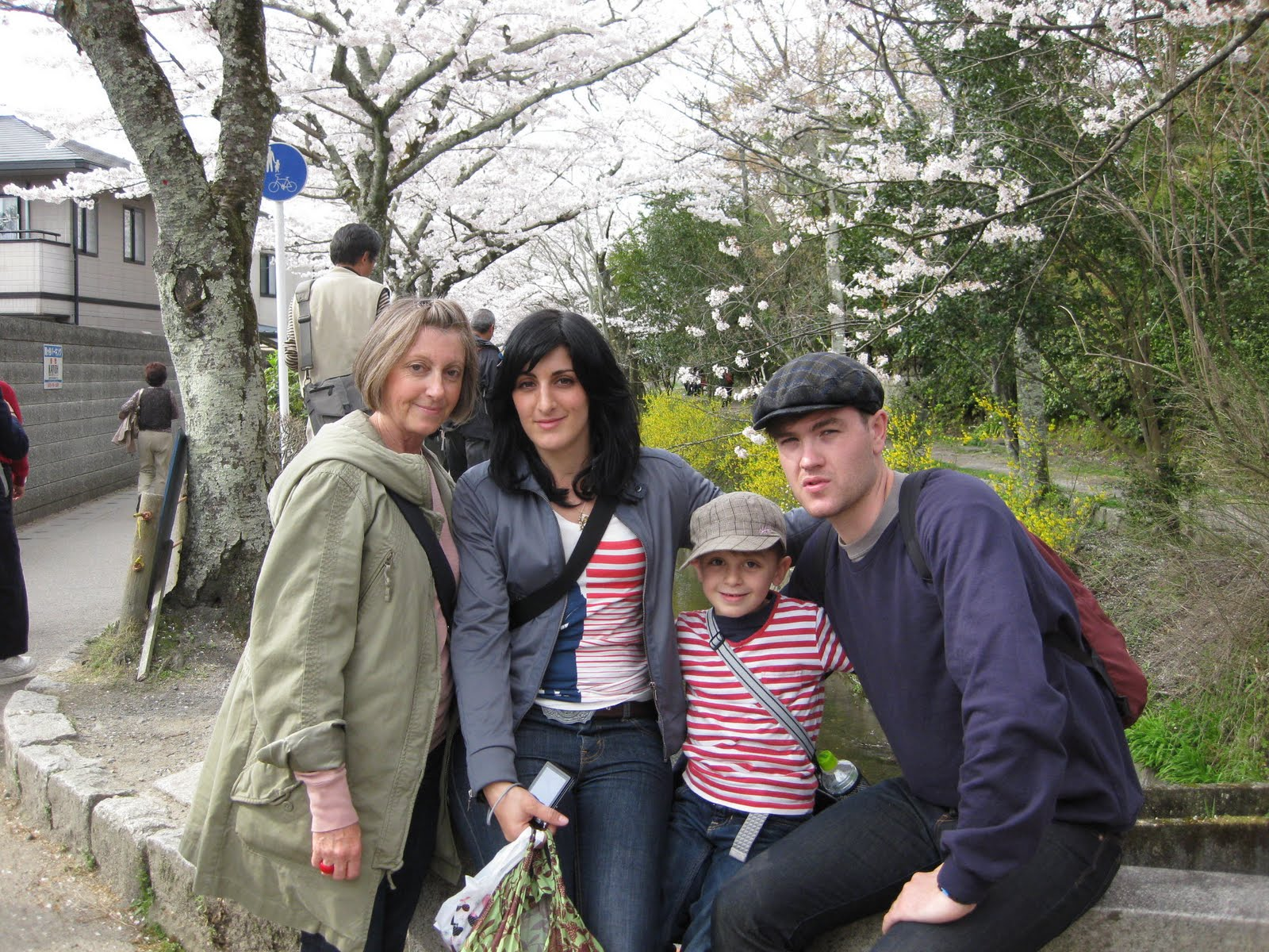 kyoto private guide with a family from australia