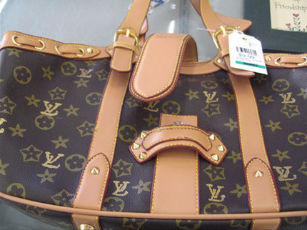 7a2b0080a6 Come Riconoscere Una Louis Vuitton Originale Vintage   The Art of ...