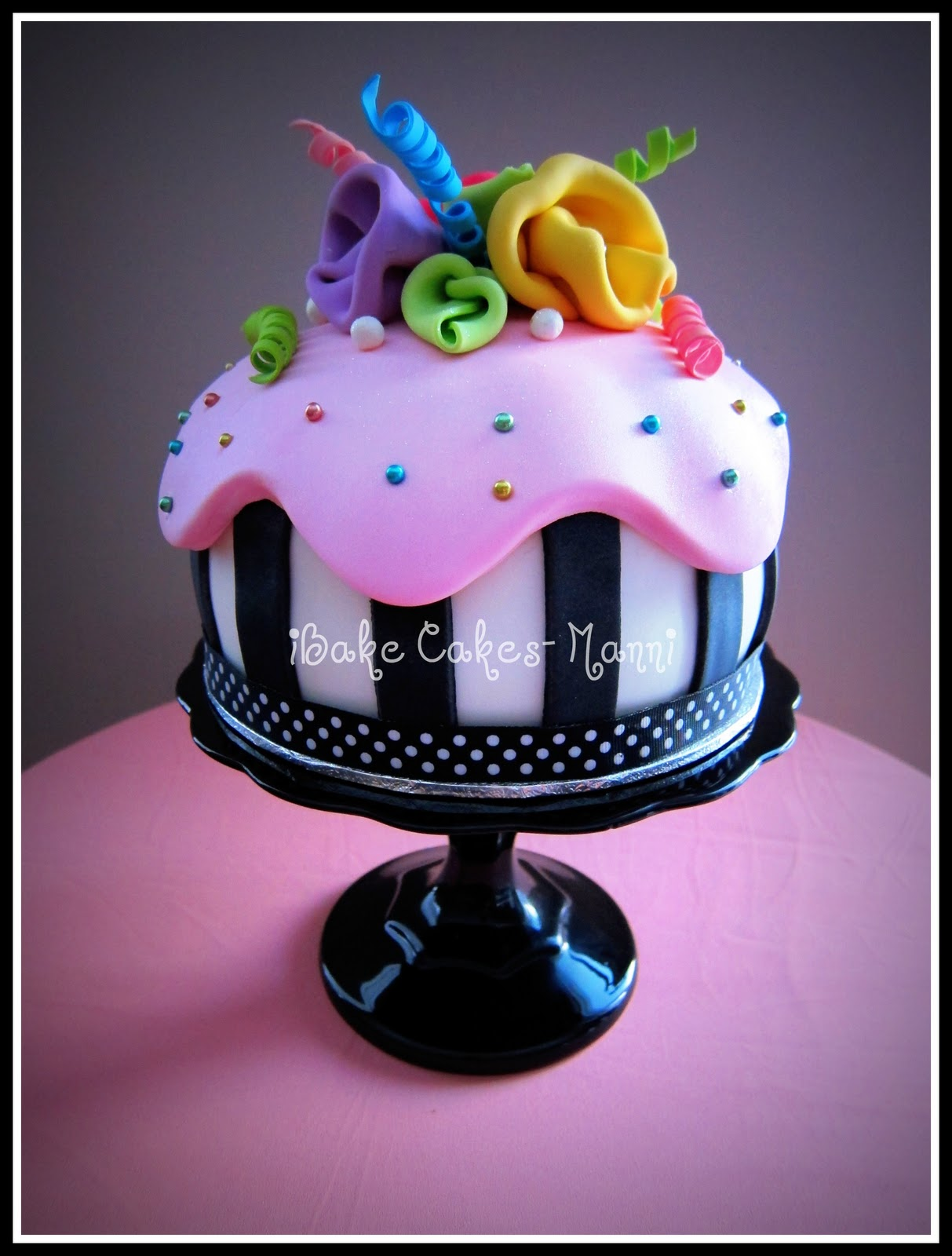 Sophisticated Happy Birthday Cakes