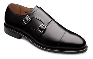 bde37a8014b5a Los zapatos con hebilla son otro clásico que no puede faltar en ningún buen  armario que presuma de tal. Podemos encontrarlo con una sólo hebilla o con  una ...