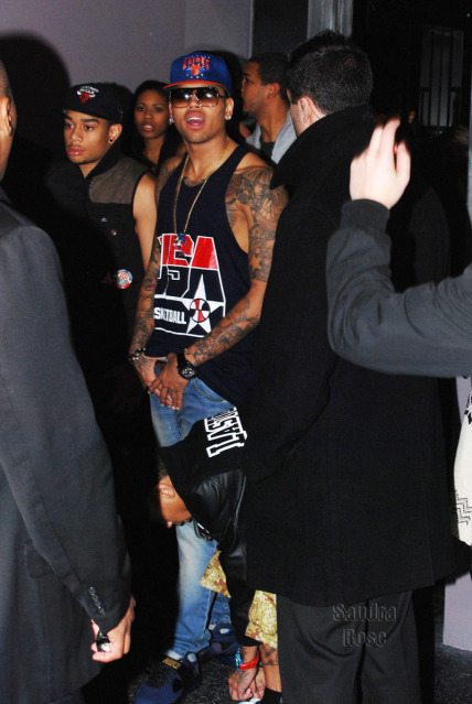 4b144ee47f099 ... closeout check out chris brown rocking rocking a usa basketball olympic  jersey ny knicks snapback and