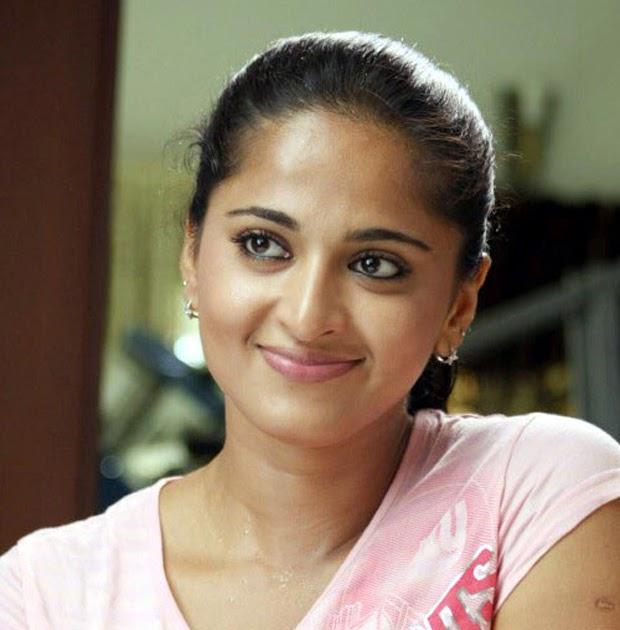Actress Anushka Hot Pics From Tamil Movie Singam (Yamudu
