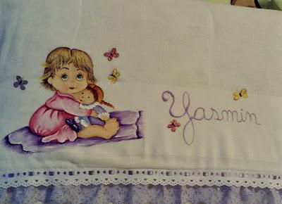 pintura em tecido fralda pintada com menininha