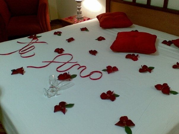 Organizar bodas una noche nica for Cuartos decorados para aniversario