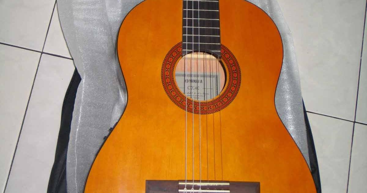 seputar musik by najma gitar yamaha CX40