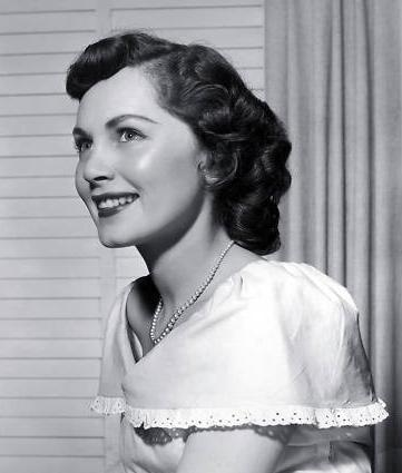 pictures of betty white in her 20 s