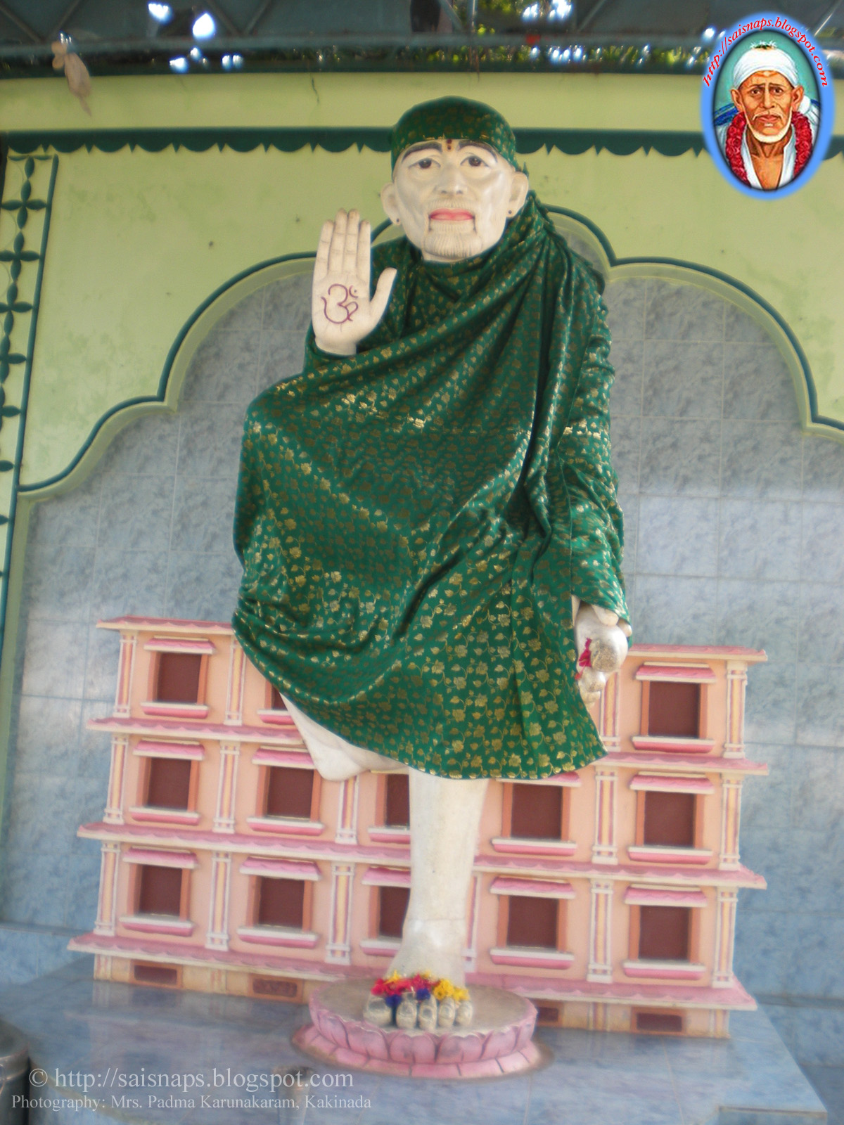 Sai Wallpaper: 100ft Statue of Sai Baba at Shirdi Sai Baba