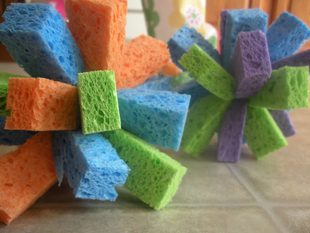 http://4.bp.blogspot.com/_cSIzw-Xee7U/TD5Rx4bsLxI/AAAAAAAAAoc/RCT-70Arm5w/s1600/sponge+ball+016.JPG