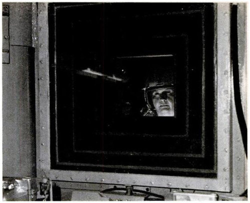 el cristal de la cabina era de 58 centímetros de ancho