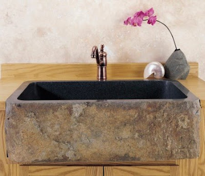 Cada din piatra pentru baie