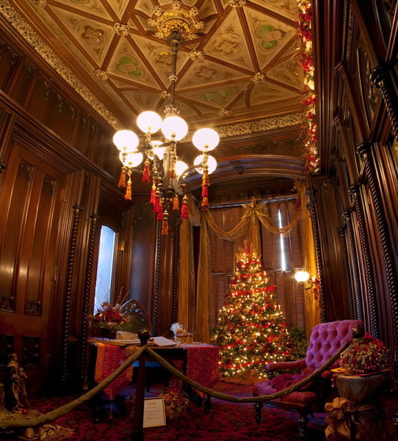 Victorian Library Room: Photo Quest: A Very Victorian Christmas
