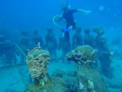 Museum Bawah Laut Meksiko