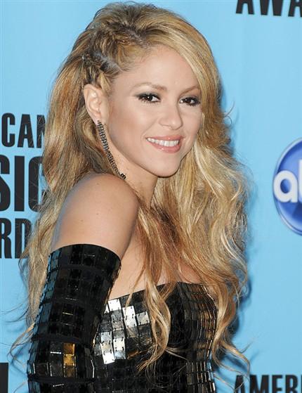 Peinados Y Estetica Paso A Paso Peinado Trenzas De Lado Shakira - Peinados-con-trenzas-a-un-lado