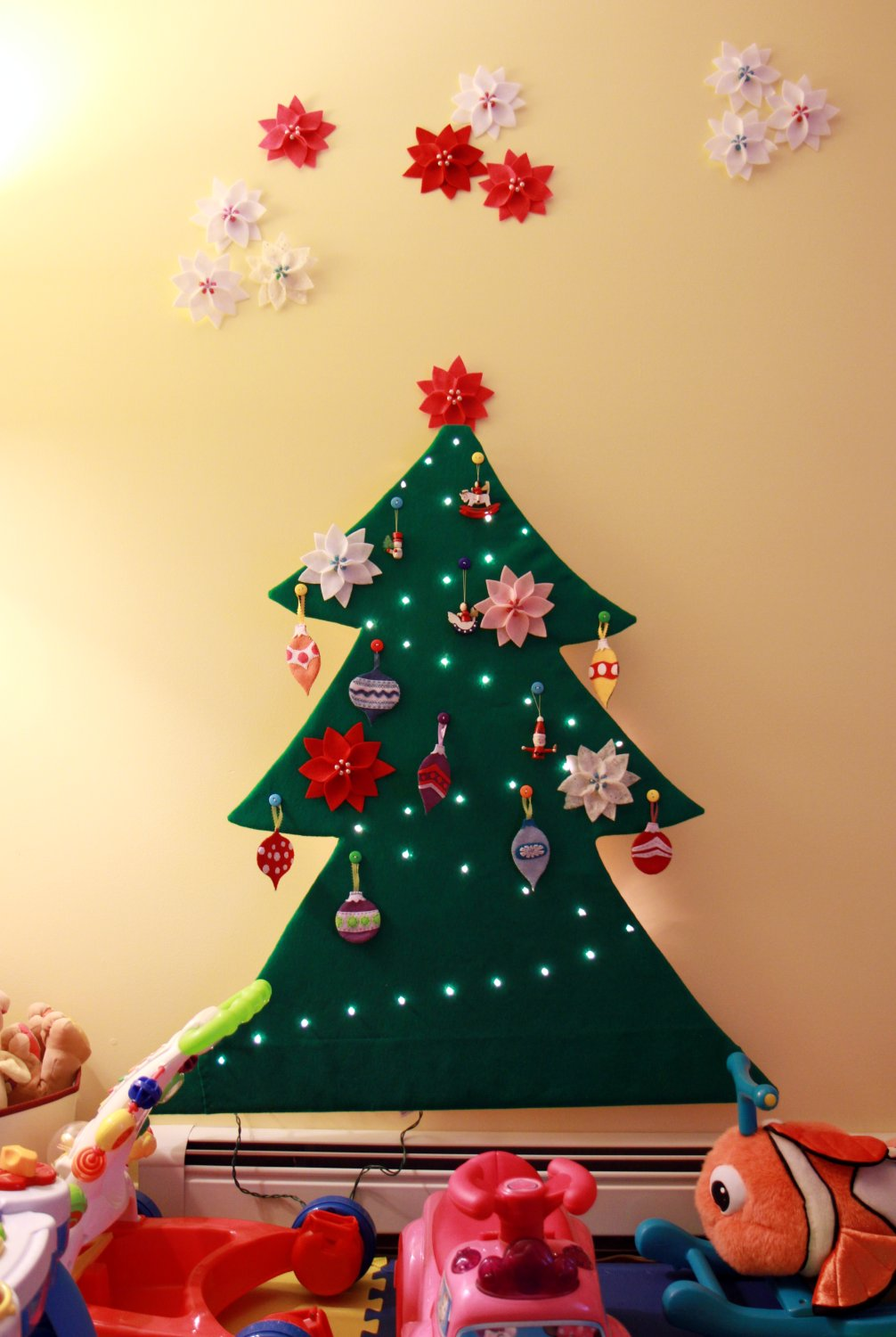Tranquility Spot: Toddler Safe 2-D Felt Christmas Tree