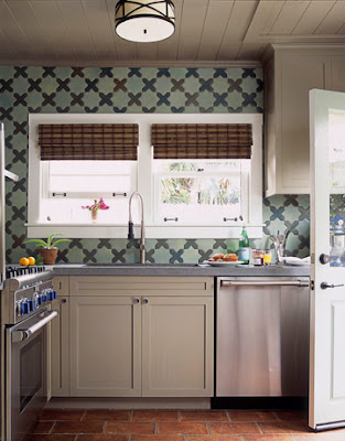 This Kitchen Was Designed By White House Designer Michael Smith It Has A Similar Layout To The Potential Dream Bungalow With An Entrance In Right