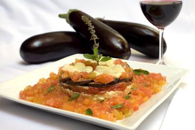 N%C3%B3+de+Pinho Alcachofra Laminatti+de+berinjela bx - >Os restaurantes também estão floridos