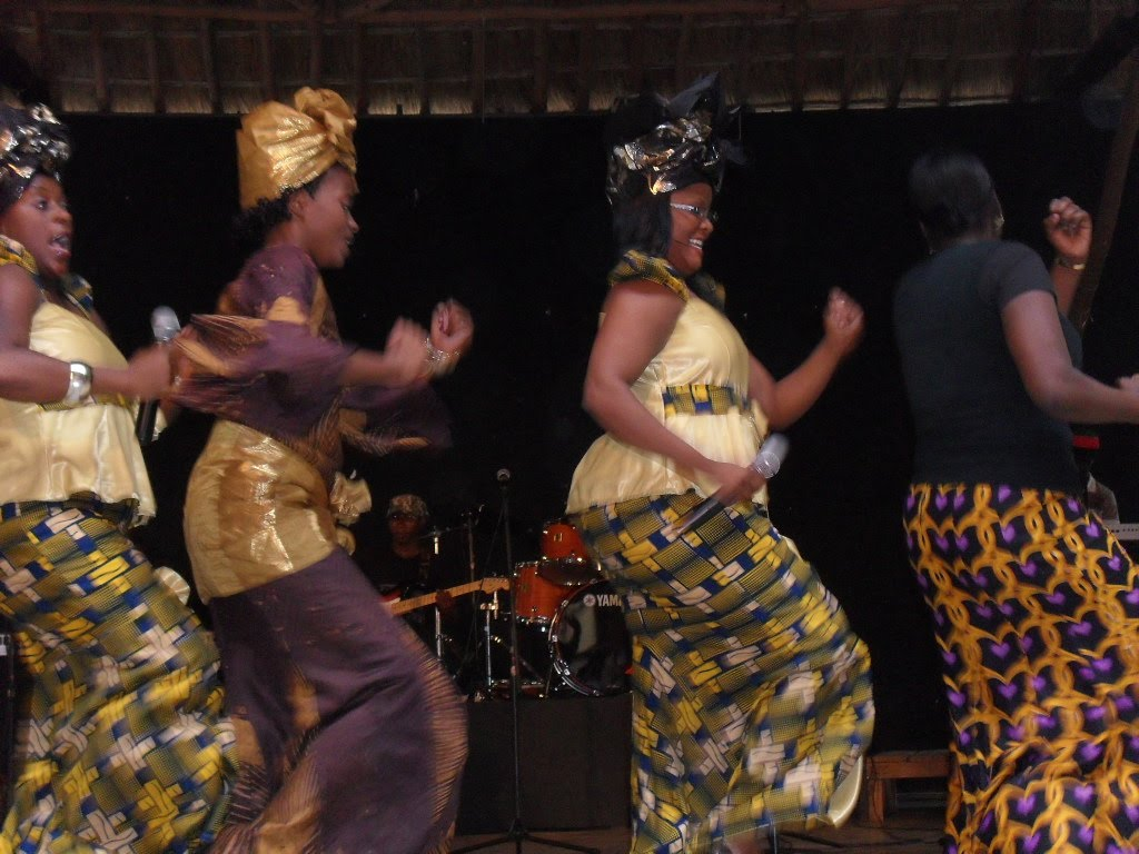 Behind colourful Malawi masks : Kuthyola Dansi