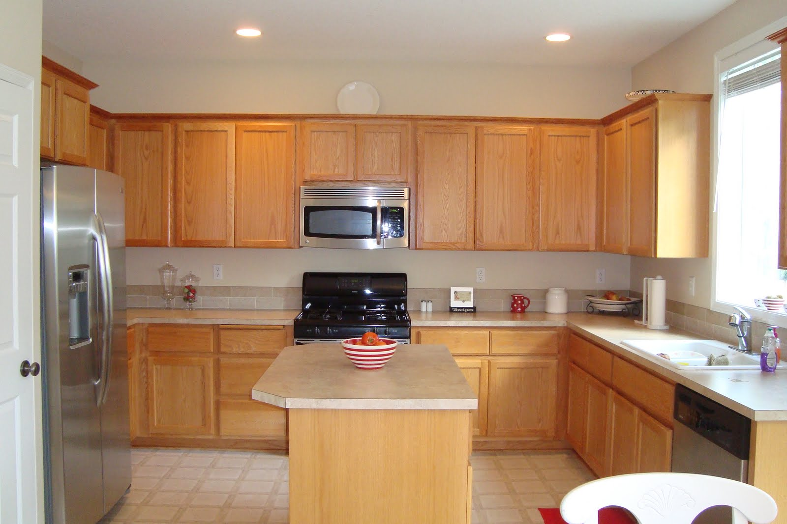 Fantastic kitchen pantry cabinet design audreycouture for Fantastic kitchen designs