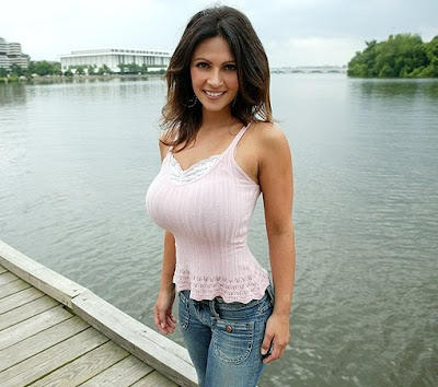 Busty Women In Sexy Tight Shirts 8