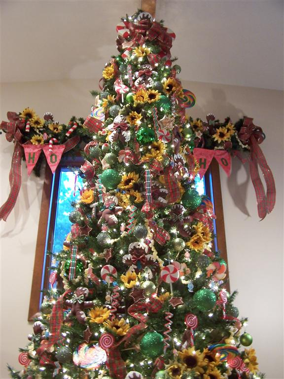 Perennial Passion: Sunflower Gingerbread Man Christmas Tree