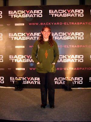 Liz Gil: 2009 18 de Febrero - Premiere Backyard - El Traspatio