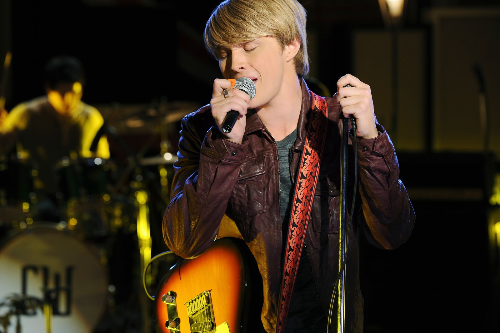 """A """"Starstruck"""" interview with Sterling Knight!"""
