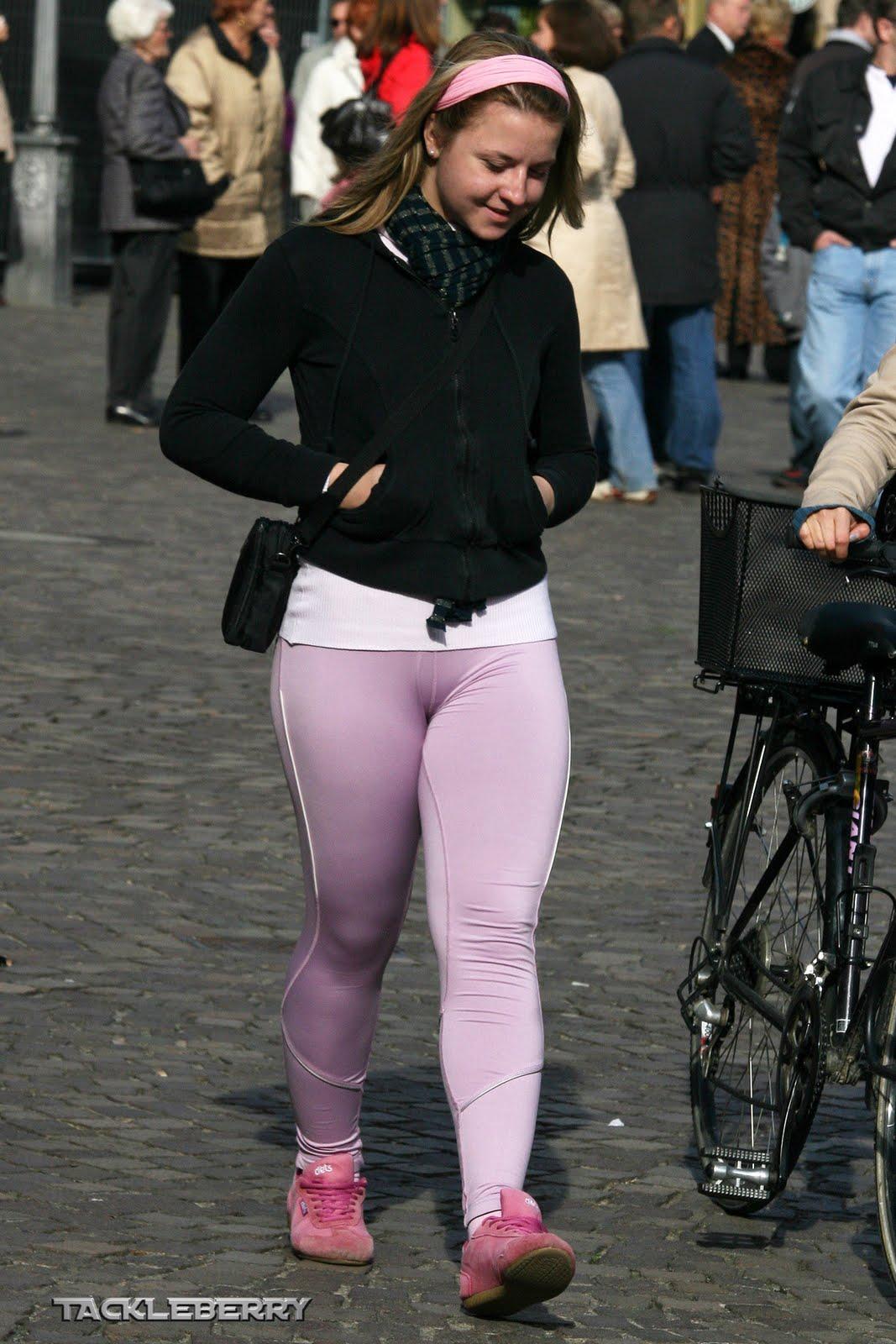 Jovencita nalgona en jeans prueba - 5 1