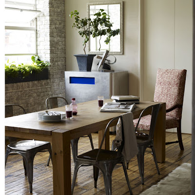 Rustic Wooden Dining Table Combine Metal Chairsterlalu Berat