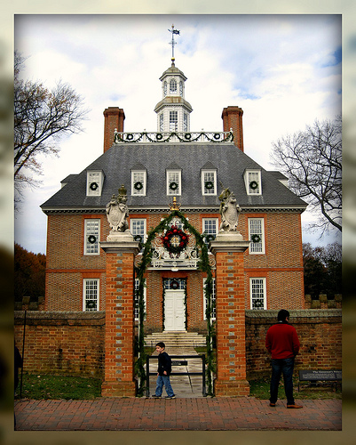 Living In Williamsburg, Virginia: Christmas Decorations At