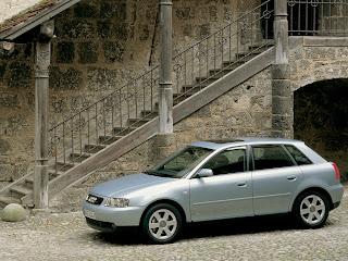 780 gr Netbook = Audi A3