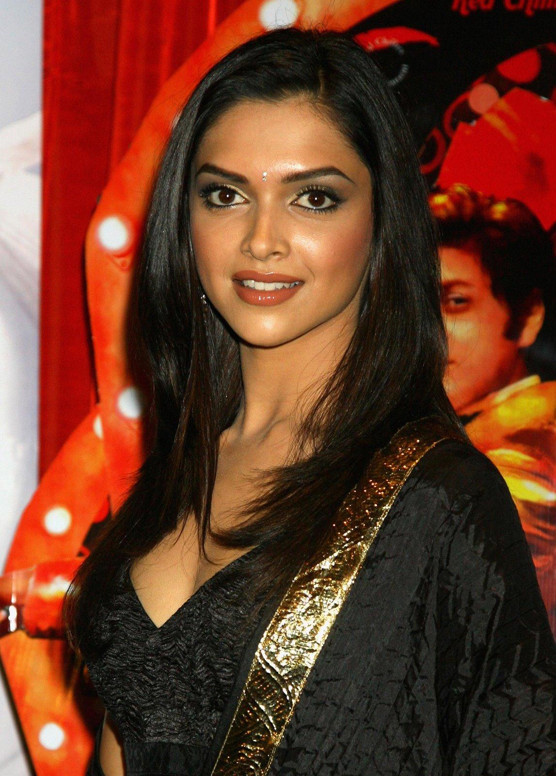 Indian Actress: Deepika Padukone Pics & Profile