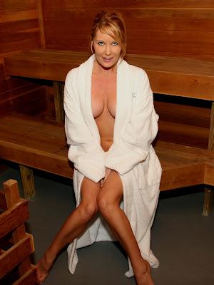 Nude naked celeb photos